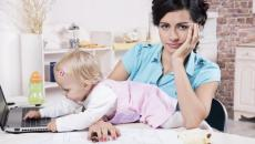 Thinkstockphotos 458859127 Working Mom With Baby