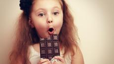 Thinkstockphotos 471753750 Girl With Chocolate
