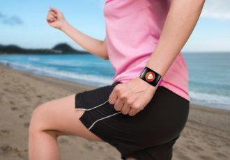 526111759 Woman Exercising Wearing Watchband Touchscreen
