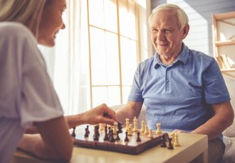 Caregiverchess Thinkstockphotos 619393614