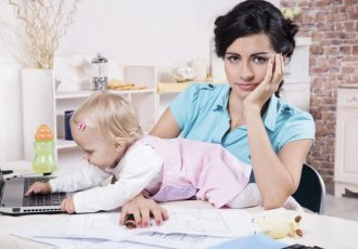 Thinkstockphotos 458859127 Working Mom With Baby