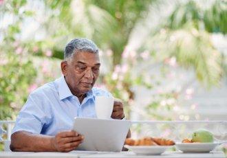 Thinkstockphotos 531849966 Man Reading Coffee