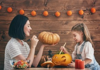 Thinkstockphotos 600084604 Pumpkin Carving