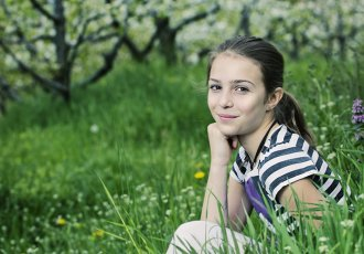 Teenage Girl Thinkstockphotos 178548703