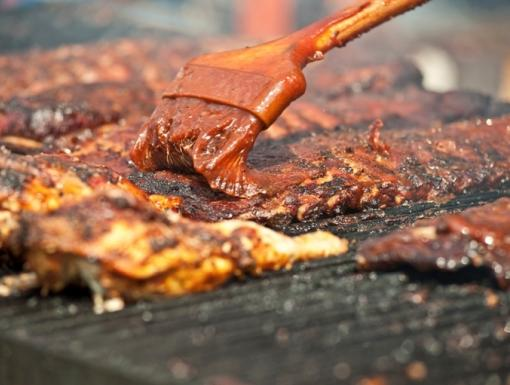 Low-Sugar Barbecue Sauces for Summer Grilling