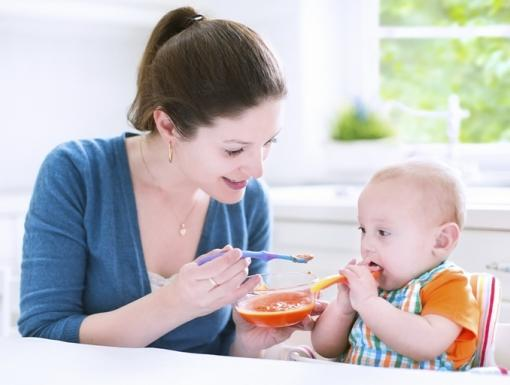 When to Introduce Solid Foods to Your Baby