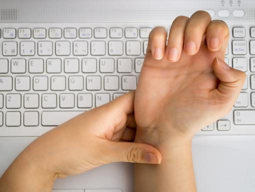 Don't Let Carpal Tunnel Syndrome Ruin Your Online Holiday Shopping