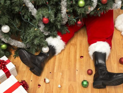 How to Avoid Holiday Decorating Disasters