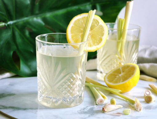 7 Healthy Drinks That Improve Digestion