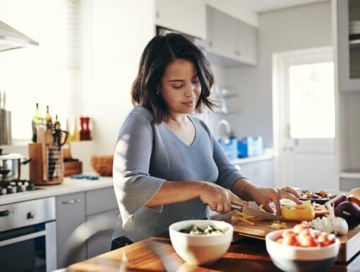 Gaining Weight at Home? Tips to Avoid the Quarantine Fifteen