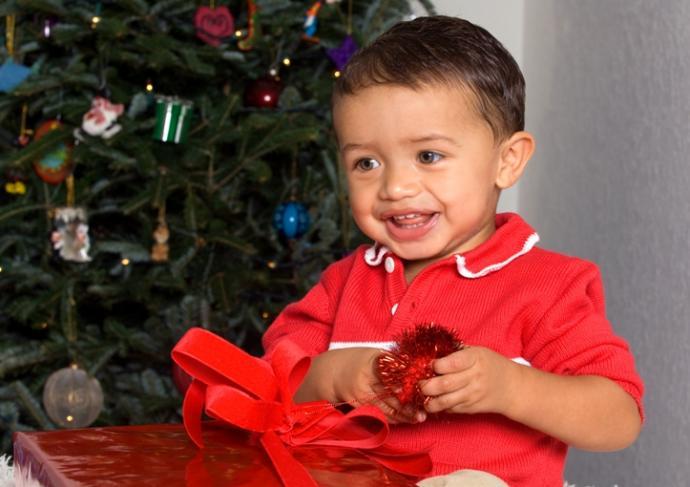 149210690 Tot Opening Christmas Gift