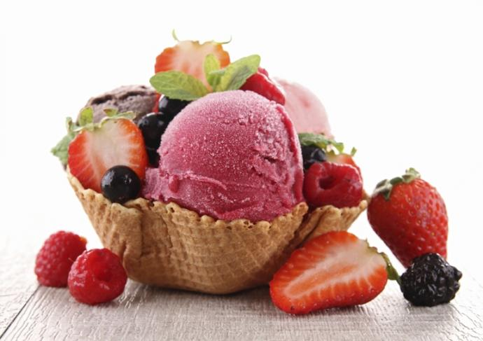 177299154 Ice Cream With Fruit