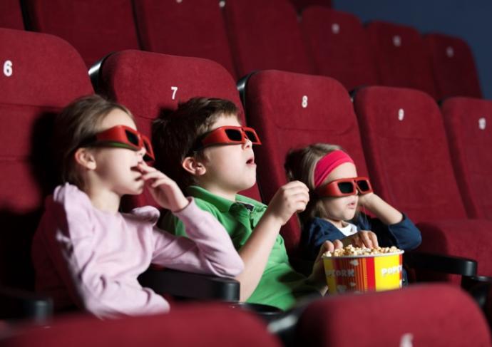 177349115 Kids Watching 3D Movies