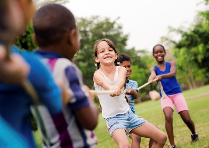 Thinkstockphotos 177506061 Kids Playing Tug Of War
