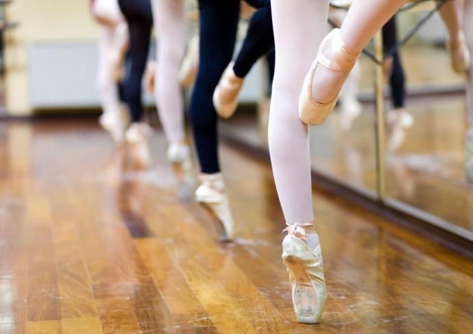Thinkstockphotos 464999061 Ballet Feet