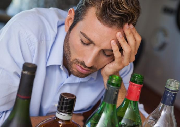 Thinkstockphotos 494385517 Alcohol Abuse