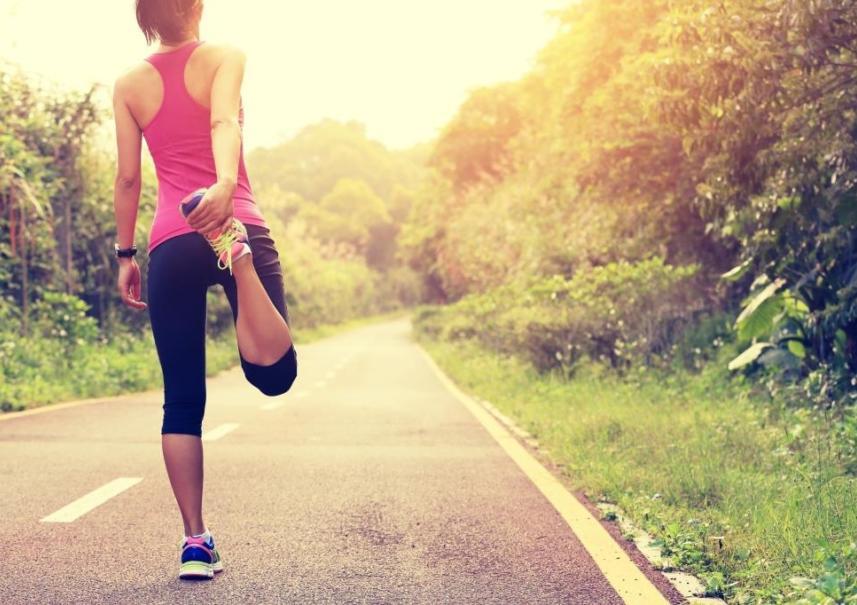 Thinkstockphotos 475215238  Marathon Stretch