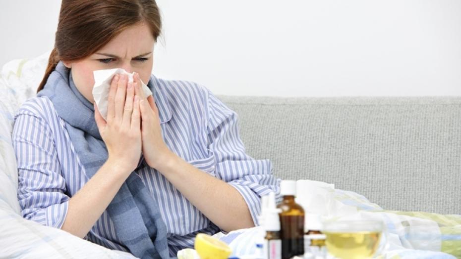 454955385 Woman Sneezing