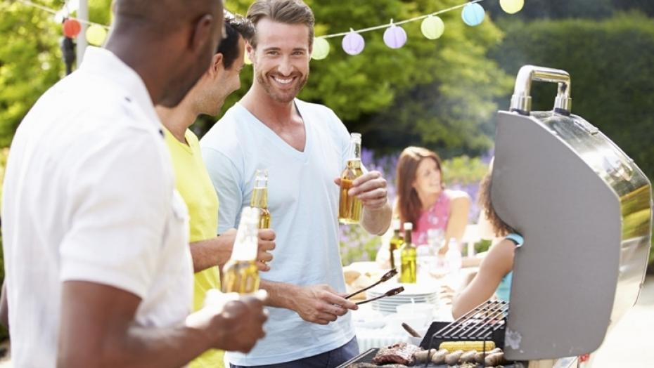 Thinkstockphotos 459873601 Group Of Men Cooking On Barbeque