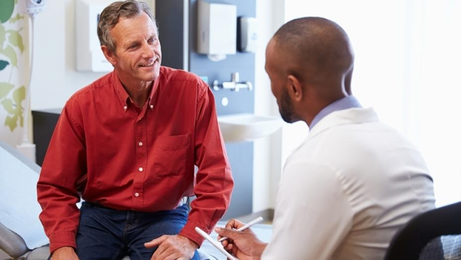Thinkstockphotos 489255834 Male Patient And Doctor Consulting In Hospital Room