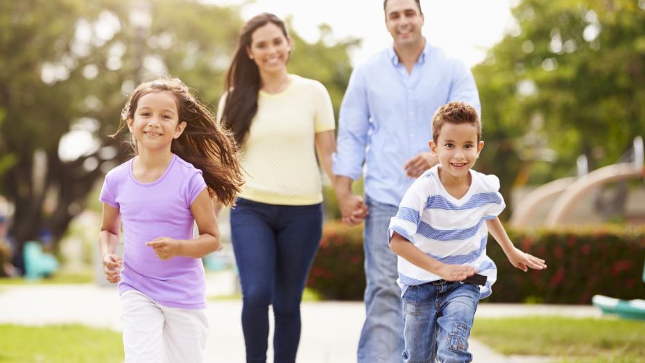 Thinkstockphotos 514134693 Family Fitness