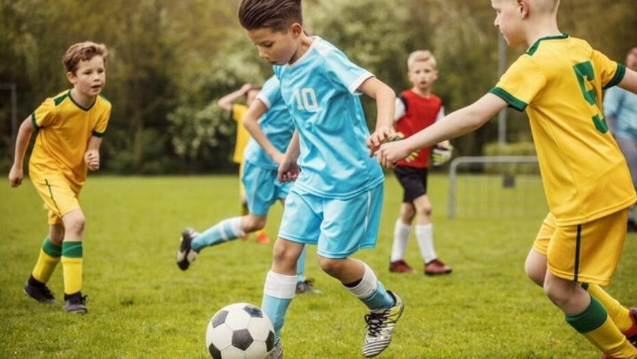 Kid playing soccer 720x480 352b68df 5564 46cf 82b4 454475d1284c
