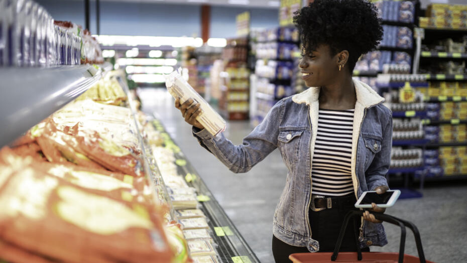 Woman grocery shopping nutrition