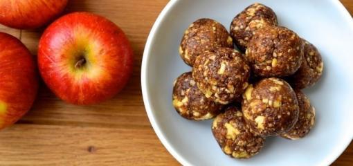 Apple and Date Bites (Recipe)
