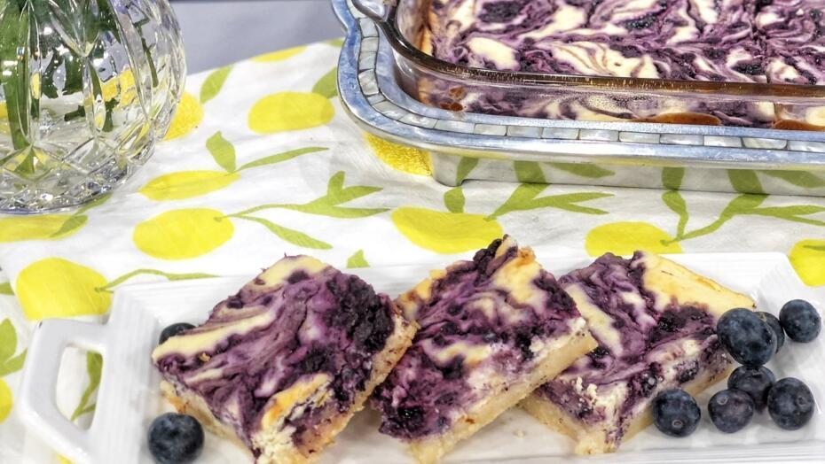 Keto Blueberry Cheesecake Bars