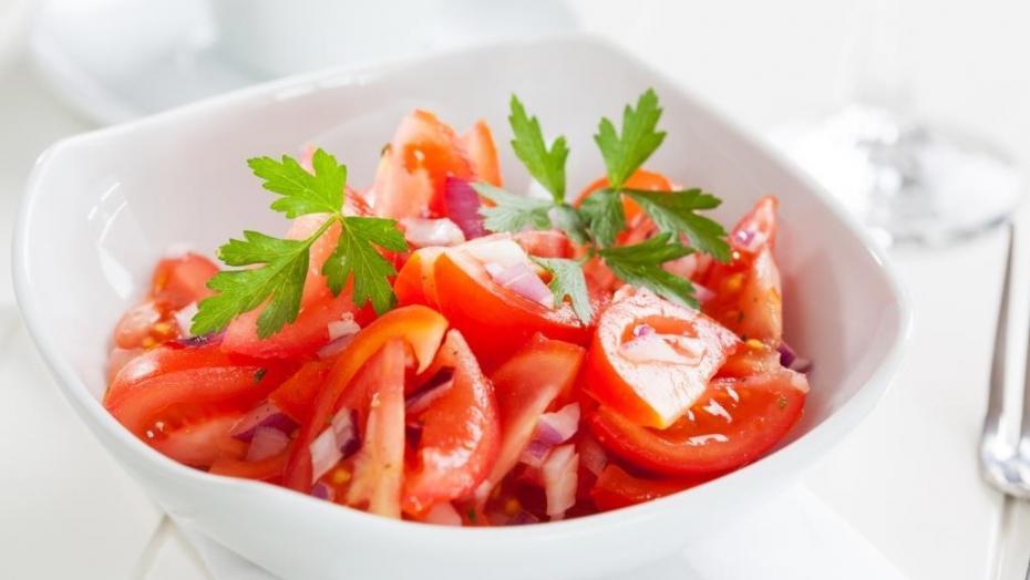 Thinkstockphotos 179228560 Tomato Salad